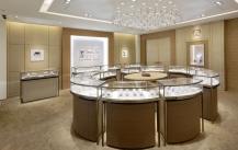展柜厂普及珠宝店铺装修的应该注意的5个问题点。