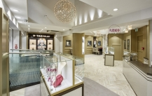 展柜设计公司告诉你珠宝展柜设计风格选择