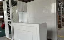 塞浦路斯美甲店吧台柜,背柜制作完成图片