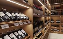 深圳展柜厂教你如何挑选红酒柜?