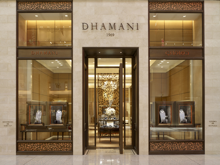 Custom jewelry store door lintel and jewelry display cabinet design ...