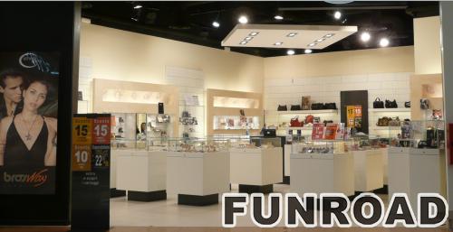 奢侈珠宝和手表陈列店橱窗展示柜