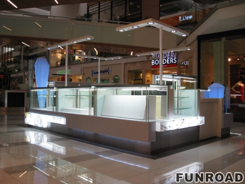大型商场珠宝展柜台效果图