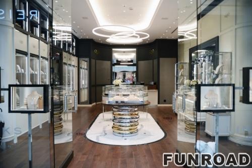 珠宝店圆弧形电镀不锈钢珠宝展柜效果图