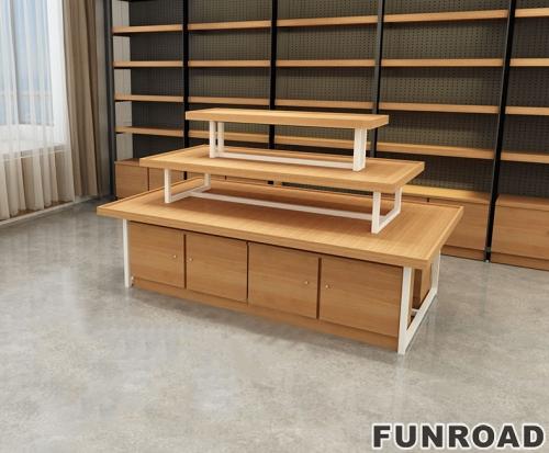 Funroad服装店展示台三层流水设计
