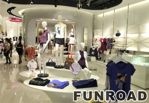 服装零售商店的流行时尚室内设计