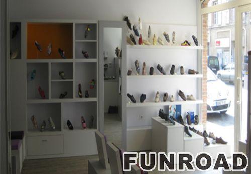 为您的鞋店定制鞋子展示架陈列架