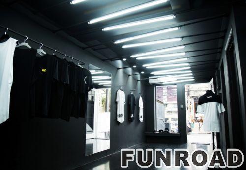 壁挂式木质展示架/金属T恤展示柜,用于服装店