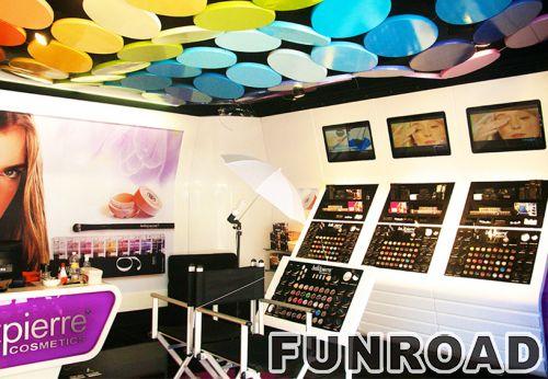 化妆品商店柜台