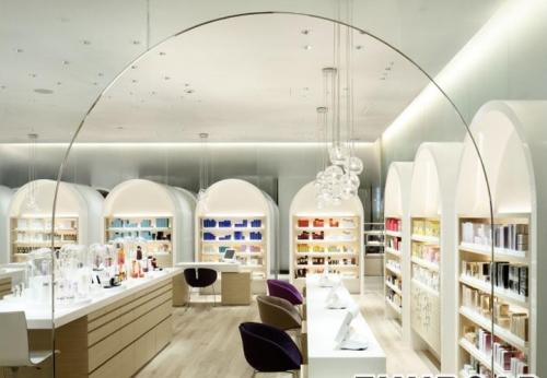 2017年新到来的零售化妆品展柜