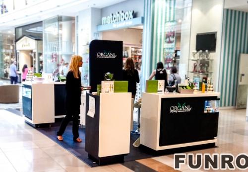 欧洲风格的化妆品展示室内设计