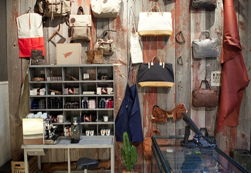 LED照明展示柜陈列架/木质墙面柜台