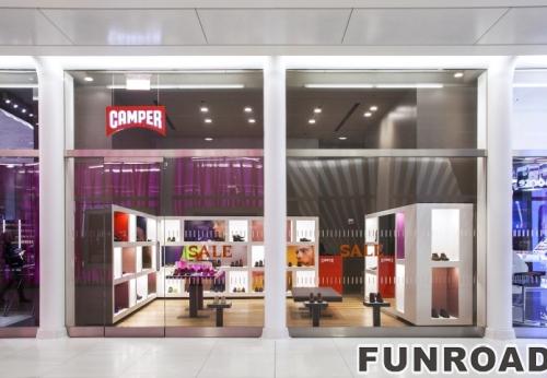 带LED木制展示墙柜品牌鞋店设计