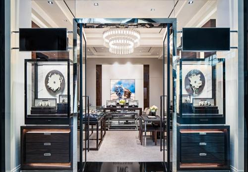 高端手表店室内设计,木制展示柜效果图