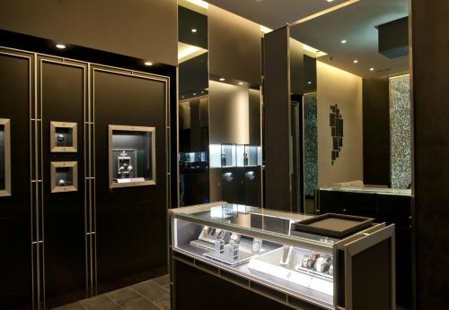中端木表展示柜豪华手表店设计效果图