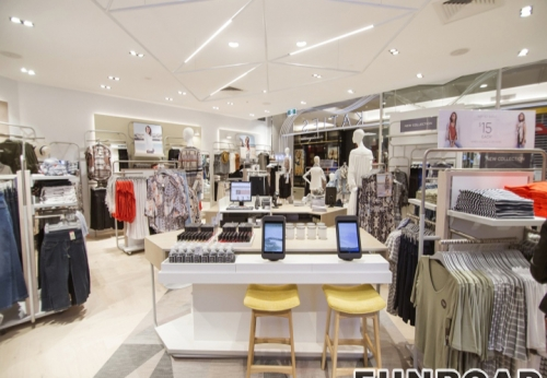 Fashion High End Retail Lady Clothing Shop Interior Design
