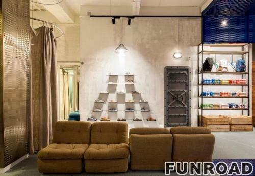 木质鞋子展示台和独特的壁挂式鞋子展示架