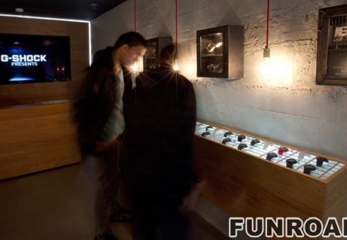 手表购物商店手表展柜陈列架展示效果图