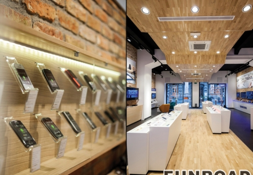 LED发光木制壁柜玻璃展柜手机配件展柜