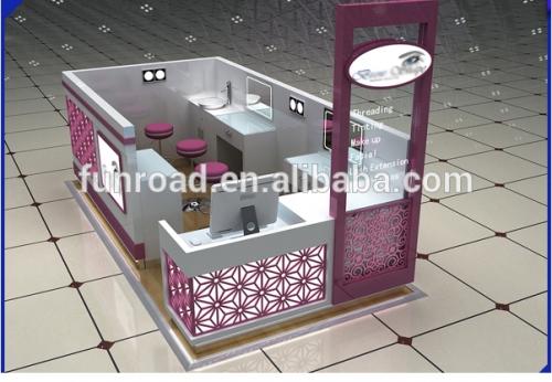 创造性的自由3D设计化妆品展示柜在购物中心