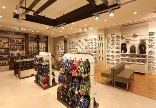 运动鞋柜台女士鞋展示柜设计