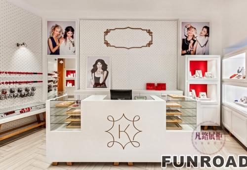 流行现代派17年受欢迎的珠宝店展柜设计制作案例