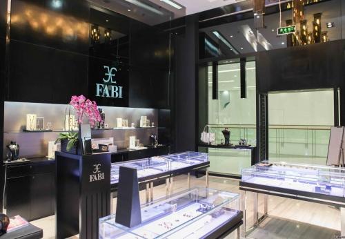 富路高端珠宝商店展柜设计图像