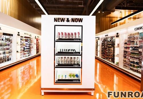 白色MDF为大商场画香水展柜设计制作案例