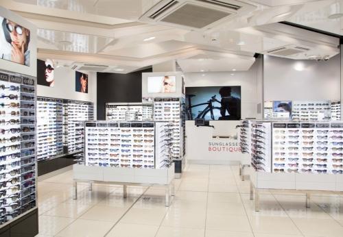 工厂定制的中端太阳镜展示柜,展示太阳镜小屋设计
