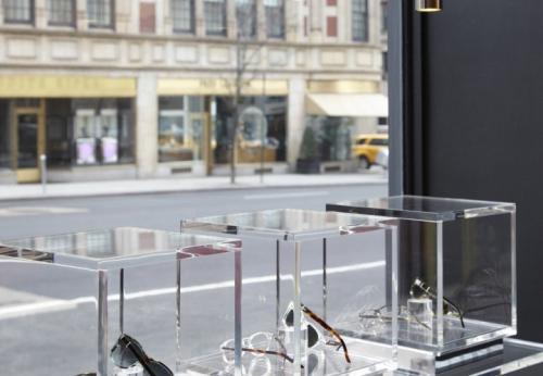 光学橱窗展示设计和玻璃橱窗展示柜