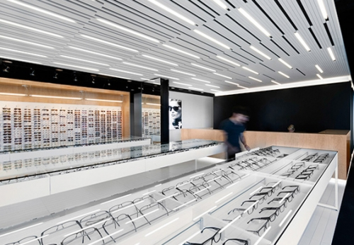 高质量的工厂直销制造金属眼镜展示柜效果图
