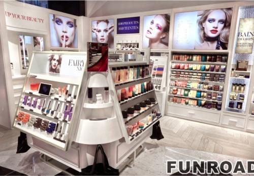 化妆品零售商店拟合木质贡多拉及化妆品陈列展柜设计
