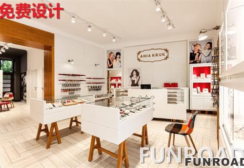 白色烤漆玻璃珠宝展柜,现场展示效果图