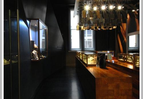 复古木质玻璃珠宝柜台设计,展柜厂家制作