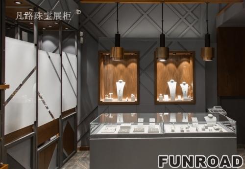 宁静雅致低调奢华的珠宝展柜设计