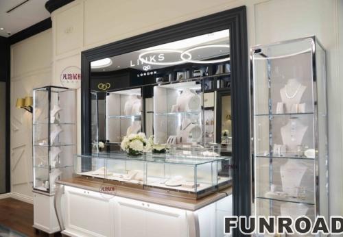 时尚简约的珠宝首饰店展柜