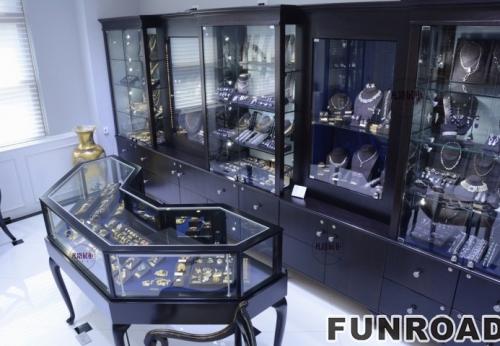私人珠宝收藏室展柜