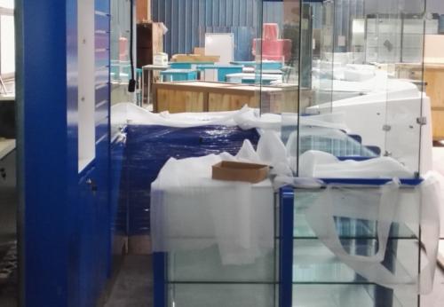 定制高端手机店展示柜室内设计