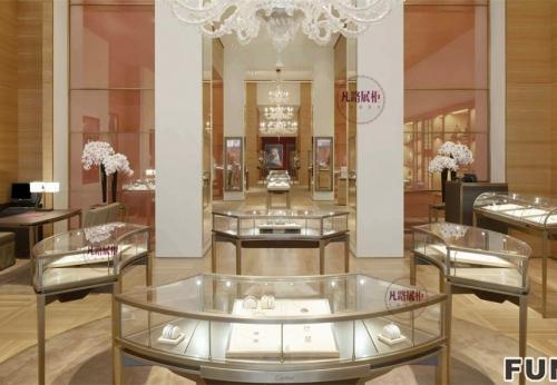 弧形珠宝店展示柜效果图