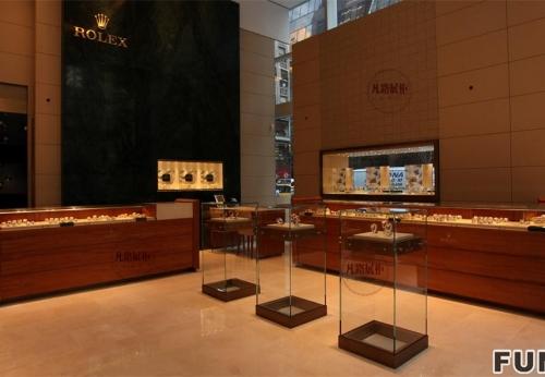 木质烤漆加玻璃手表展柜案例