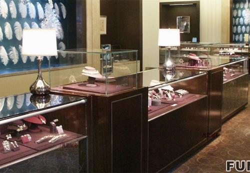 珠宝店圆形方形展示柜案例图