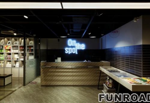 高档名牌鞋店展示柜案例