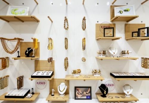 珠宝纪念品店展示柜案例