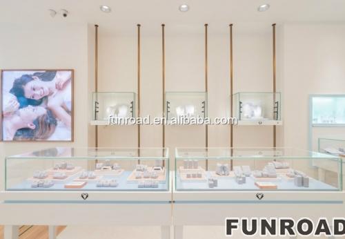 时尚白色装饰首饰室内店设计