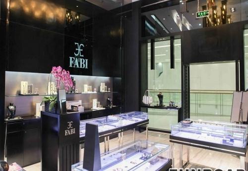 高档珠宝店橱窗及柜台