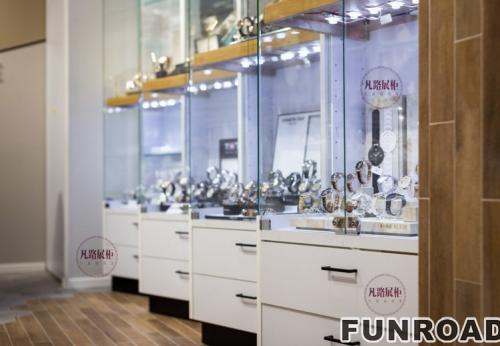FRWS-9410不锈钢烤漆钟表店展柜案例