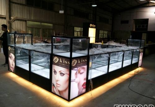FR-CS-01顶级购物中心化妆台化妆用玻璃橱窗