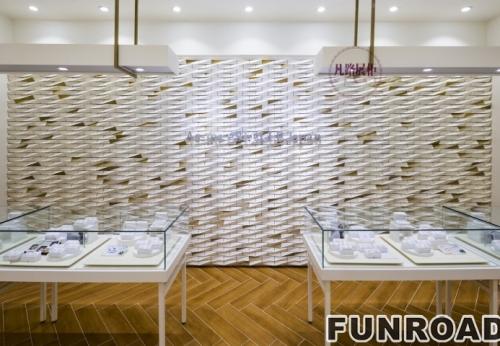 FRJS-195071木质烤漆加不锈钢玻璃珠宝展示柜案例