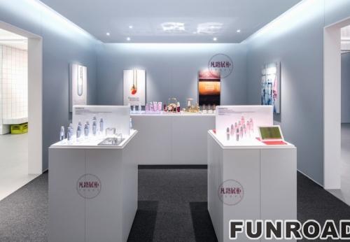 高端A级防火材料制作的化妆品展示柜案例