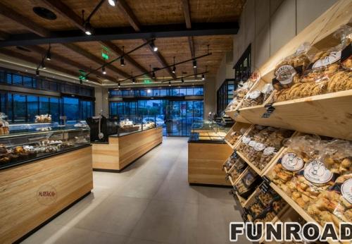木质食品店玻璃展示柜案例